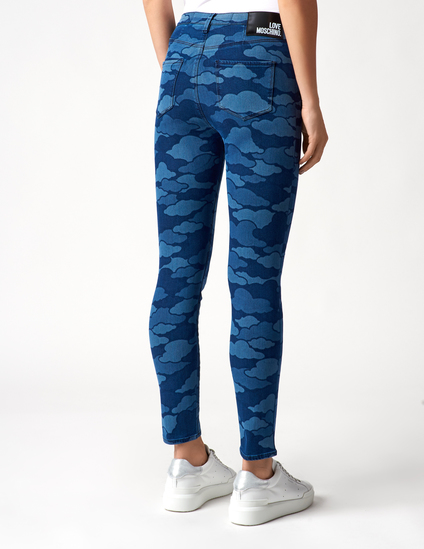 Женские джинсы с облачным рисунком LOVE MOSCHINO